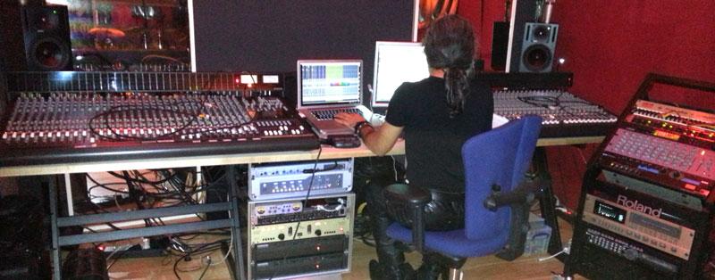 NANOBEAT Studio Hemin Derya